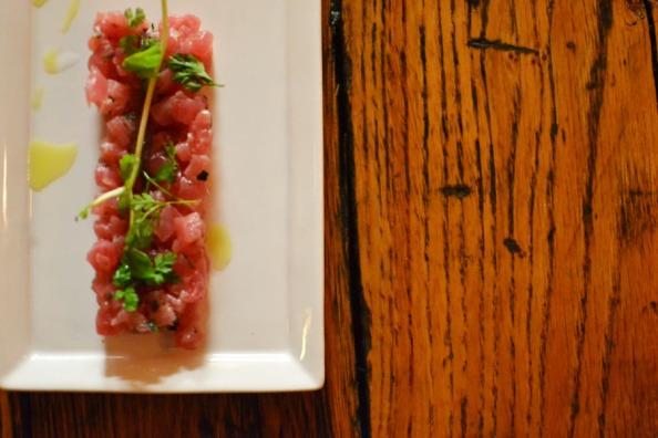 tuna tartar, © Cville Niche